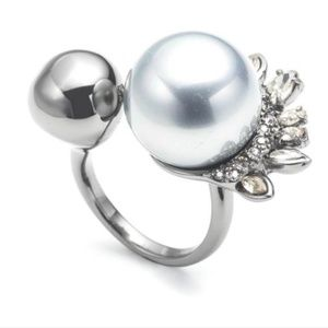 Alexis Bittar Pearly cocktail ring